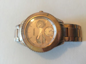 Womens gold fossil watch