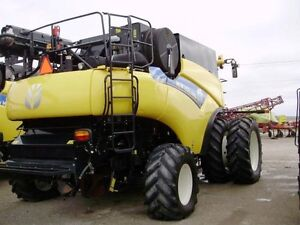 2014 New Holland CR8090 Combine London Ontario image 11