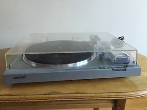 Sony turntable West Island Greater Montréal image 1