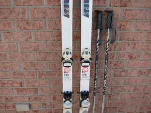SKI ALPIN, TecnoPro 180 mm Fixations Tyrolia 540. Bottes Salomon