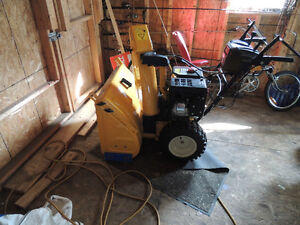 1.5 years old cub cadet 3 stage