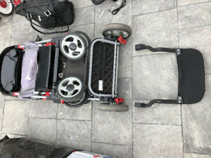 Joovy double stroller with car seat converter