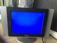 Samsung potable monitor tv with speakers