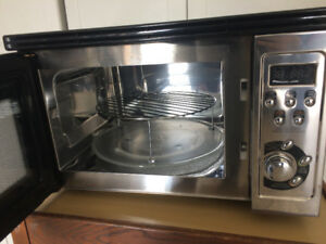 Sanyo Microwave Oven with Built-In Grill