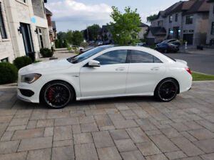 Vente privée - 2016 Mercedes Benz AMG CLA 45 (4-Matic)