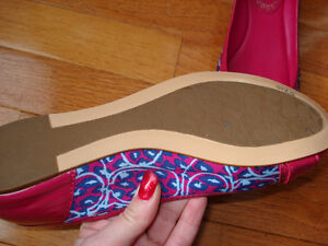 Size 7 Coach flats NEVER WORN London Ontario image 7