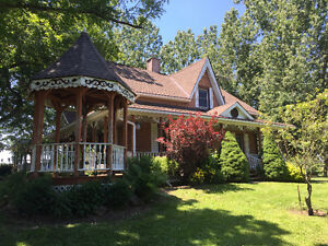 SUPER COUNTRY HOME, ALMOST 3 ACRES