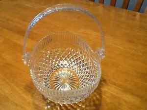 Glass basket bowl
