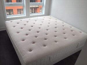 Matelas king size + 2 sommiers