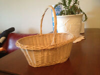 Straw basket with handle - just like Red Riding Hood's style
