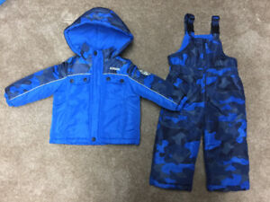 Like new 2T Carters snow pants and winter coat