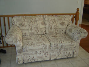 Sofa Loveseat.