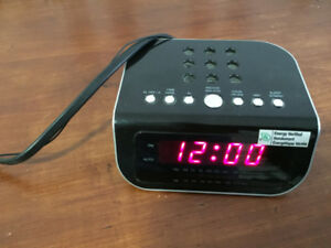 Digital Alarm Clock with radio