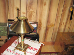 Solid brass vintage table lamp -- Brand New condition