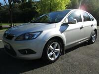 08/08 FORD FOCUS 1.6 ZETEC 5DR HATCH IN MET SILVER WITH SERVICE HISTORY