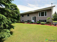 BEAUTIFULLY RENOVATED HOME IN CASSELMAN - 20 min East of Ottawa