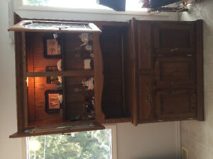 Beautiful solid oak china cabinet