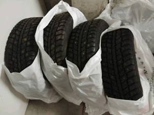 215/60R16 Studded Winter Tires Lightly Used