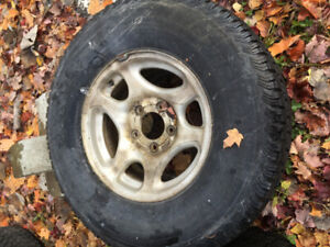 4 MAGS FORD F-150 265/75r16 + 4 TIRES WINTERCAT SST  7/32 250$
