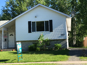 593 Northern Ave E, Sault Ste Marie VERY CENTRAL SEMI FOR SALE