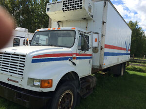 1991 International with Power Tail Gate and Reefer