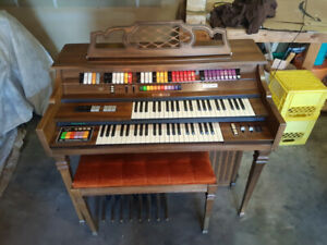 Free Organ in Excellent Working Condition