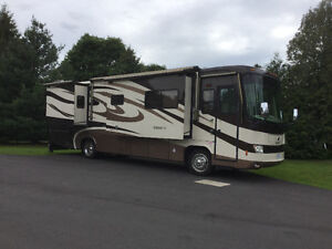 2008 Holiday Rambler Neptune 37 pdq-super low miles!
