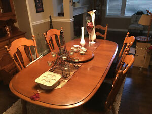 VILAS MAPLE TABLE SET/ 6 CHAIRS
