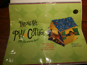 like brand new condition kids play cottage