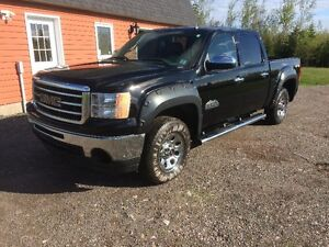 2012 GMC Sierra 1500 crecab 4x4 only 23,800 kms