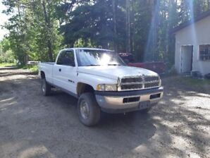 1999 Dodge ram 2500 Excellent condition with low KM's