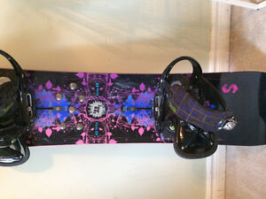 LADIES Burton Stria Board and Burton Lexa Bindings