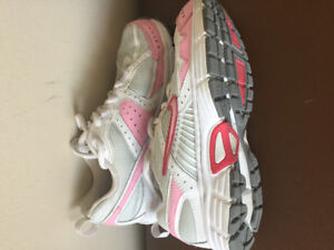 BRAND NEW NIKE US 3.5 shoe kids girls pink - Original $50