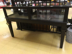 DISPLAY CASE $400