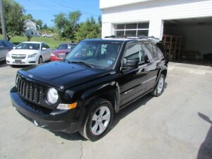 2013 Jeep Patriot North 1 OWNER! 4X4! HEATED SEATS! SUNROOF! WOW