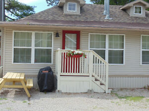 3 Bedroom Cottage in downtown Grand Bend