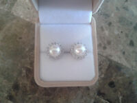 Brand new genuine Pearl earrings with Cubic Zirconia