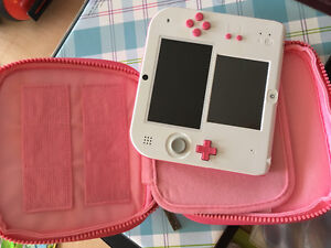 Peach Pink with Disney Magical World Carrying Case- Nintendo 2ds