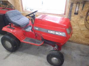 tracteur a gazon 18 hp année 1998