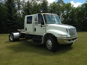 2003 International 4400  (PRICE REDUCED)