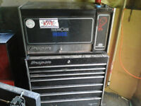 trade or sell snap on toolbox for 3 or 4 wheeler