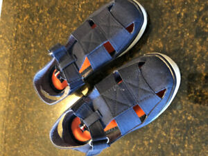 Tommy Boys Sandals Size 11