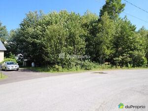 Terrain boisé 22 055p2, secteur résidentiel à St-Félix-de-Valois
