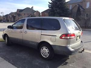 2003 Toyota Sienna CE Minivan, Van