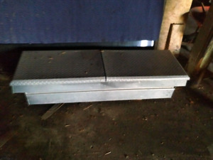 Aluminum truck storage box