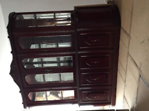Big cabinet with a lot of space for dinning room!
