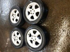 4 roues Ford Taurus 16 po