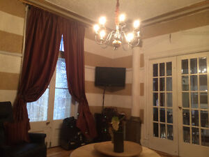 UQAM quartier latin a/c meuble wifi tv