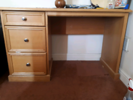 Chest drawer sets and Desk