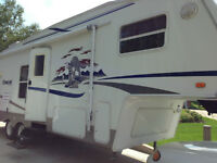 2004 COUGAR BY KEYSTONE FIFTHWHEEL TRAILER